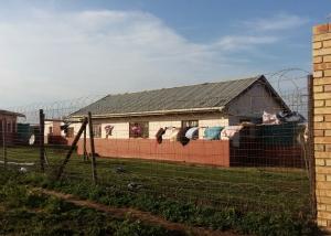Waisenhaus von außen_2